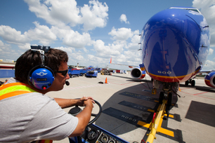 Inaugural-Flight-of-Southwest-s-First-Boeing-737