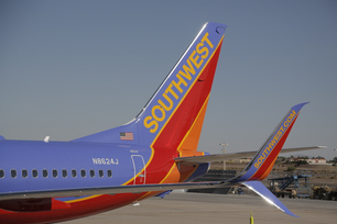 southwest-airlines-takes-delivery-of-its-first-737-800-with-spli-4