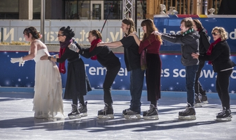 no-cold-feet-here-couple-ties-the-knot-at-southwest-rink-at-sky