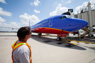 Inaugural-Flight-of-Southwest-s-First-Boeing-737-6